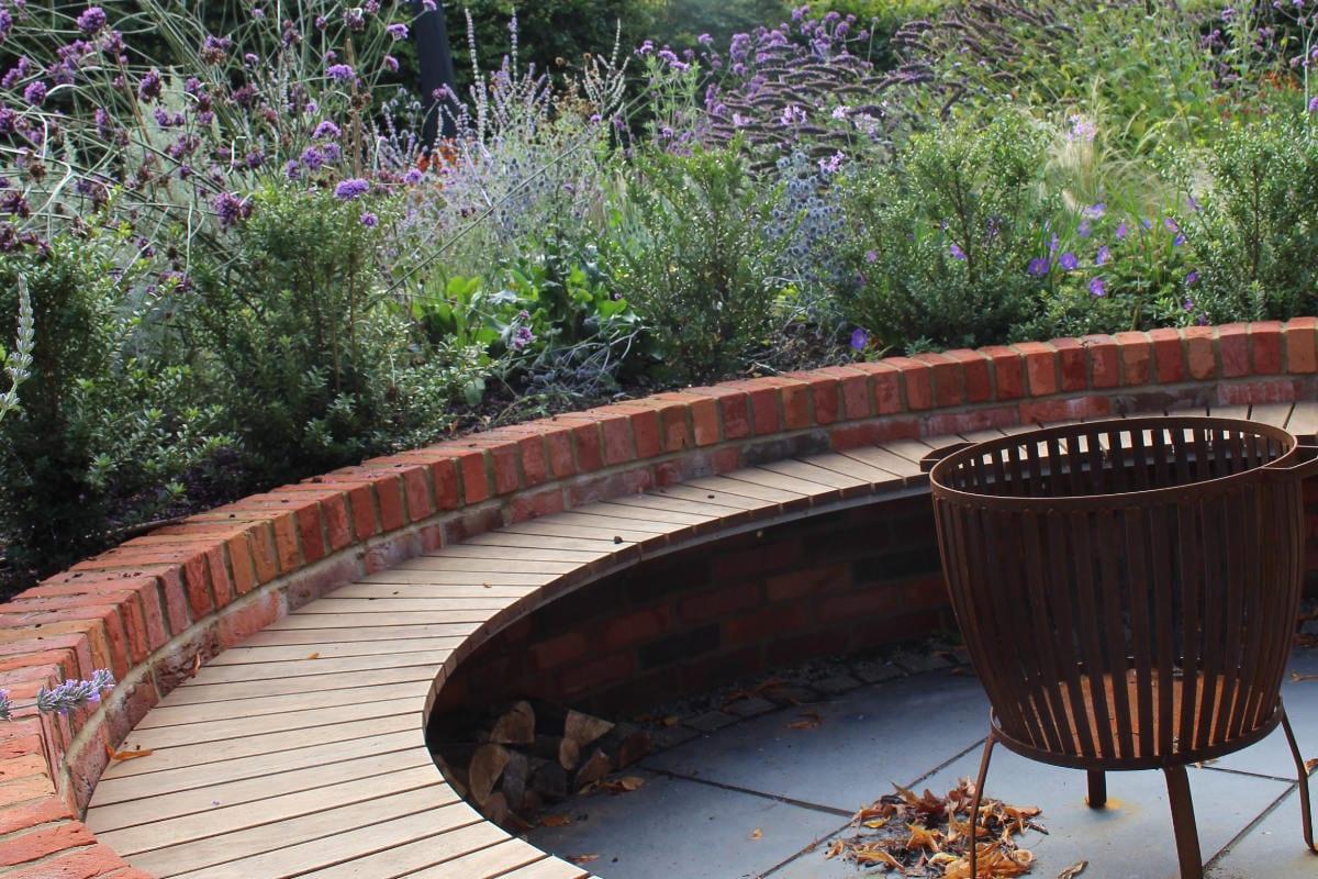 garden design fire pit